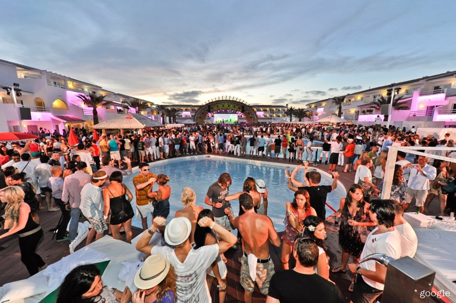 ibiza_openingParty-1024x681